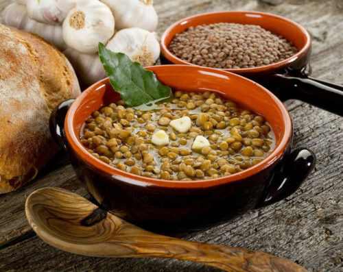 מרק עדשים ירוקות בג'ינג'ר ובתפוזים