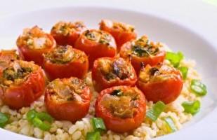 עגבניות שרי ממולאות