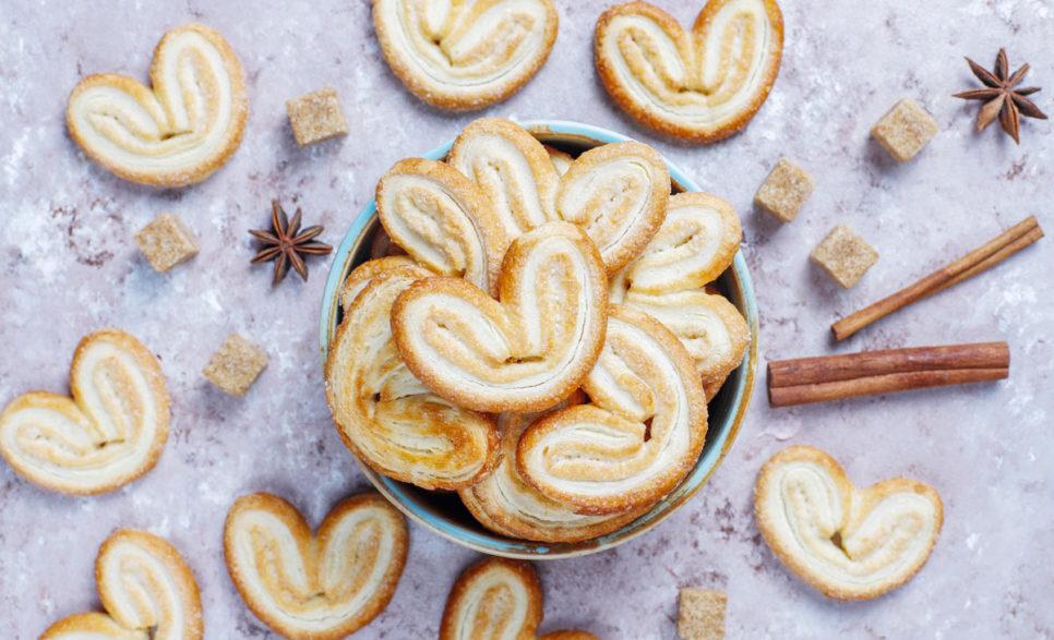 עוגיות אוזני פיל עם סוכר וקינמון