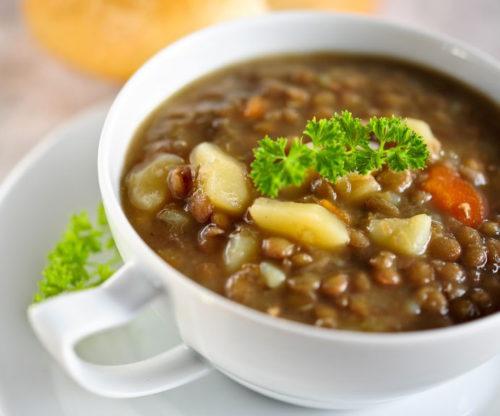 מרק עדשים ותפוחי אדמה