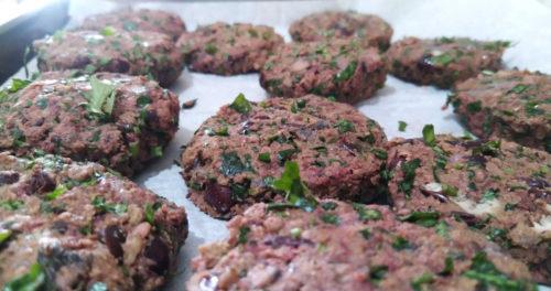 המבורגר פטריות, שעועית אדומה וסויה