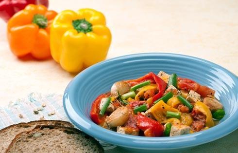 מכ. כדאי לנסות לשלב בתפריט היומי מגוון ירקות מסוגים וצבעים שונים. צילום: ראובן אילת
