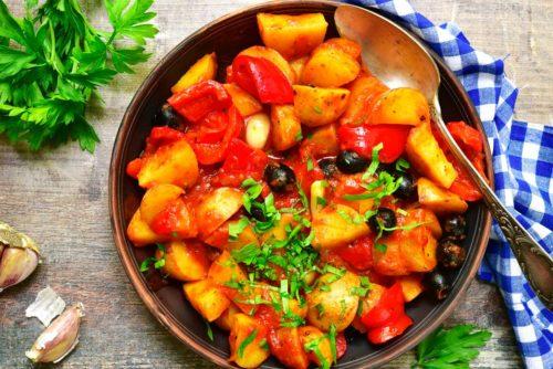 תבשיל תפוחי אדמה ופלפלים