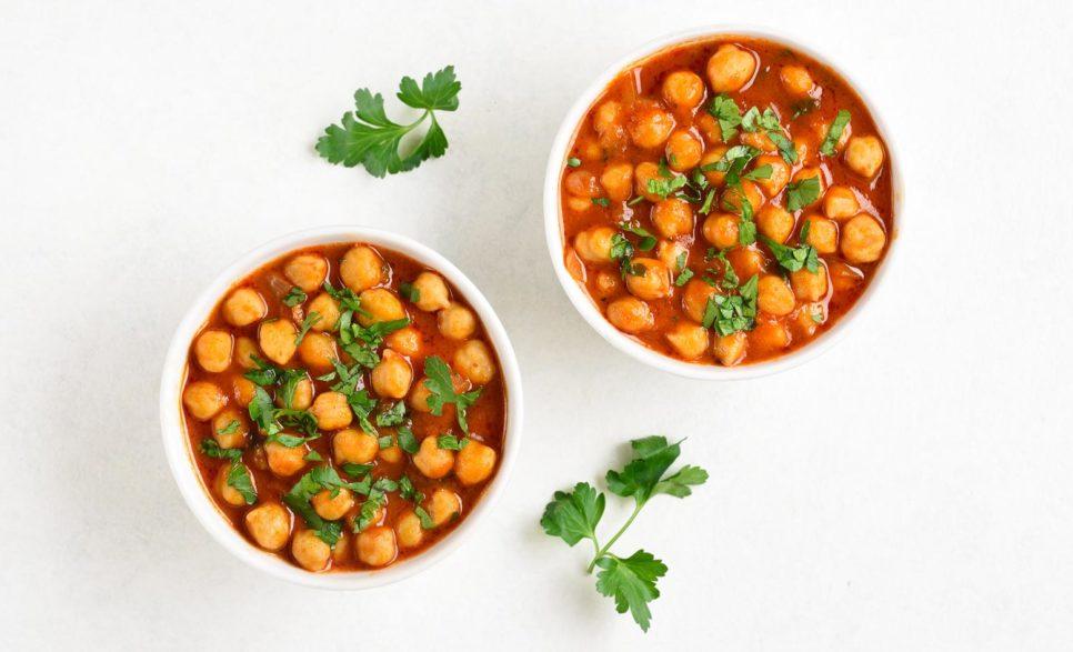 תבשיל חומוס ועגבניות