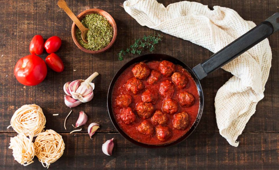 קציצות ברוטב עגבניות טעימות ורכות